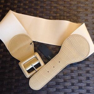 new THE LIMITED wide beige stretch belt S